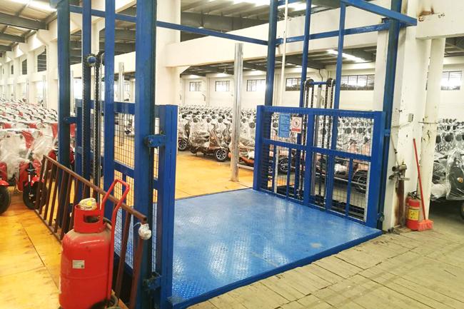 地下车库液压升降机应用设计