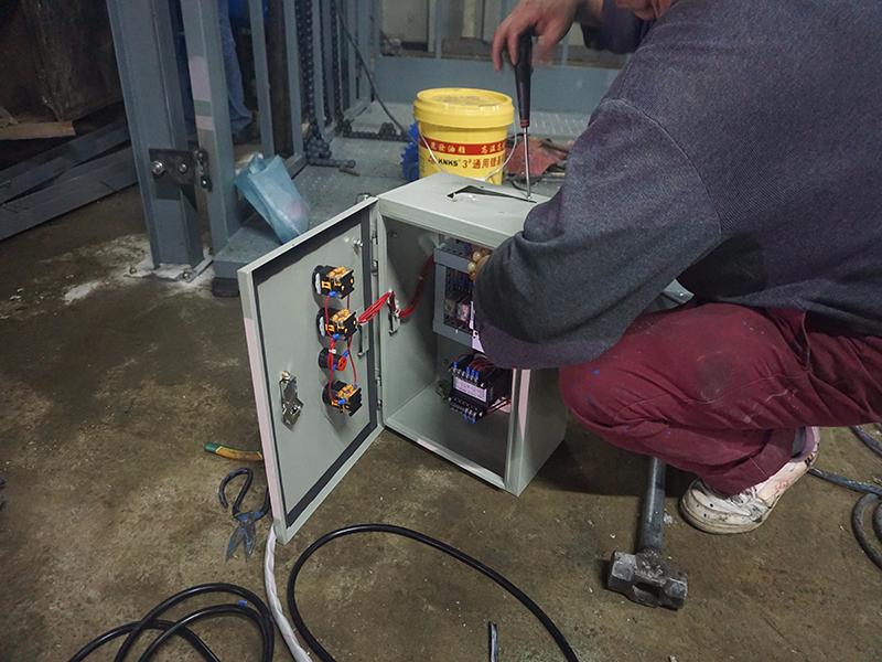 广东液压升降平台电压能否用220V?