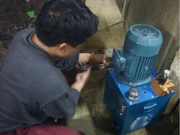 佛山升降平台液压系统维护